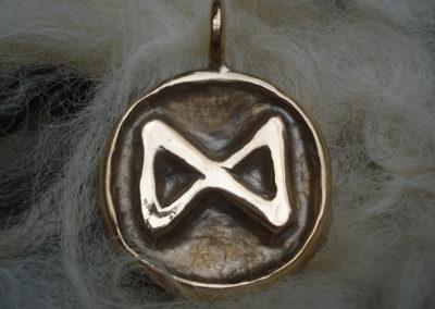 Dagaz in Bronze