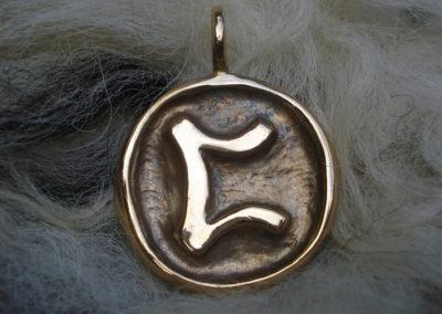 Perthro in Bronze